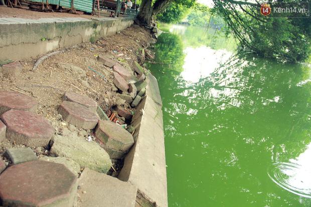 Bờ kè Hồ Gươm sụt lún mạnh được dựng rào sắt cảnh báo để đảm bảo an toàn - Ảnh 5.
