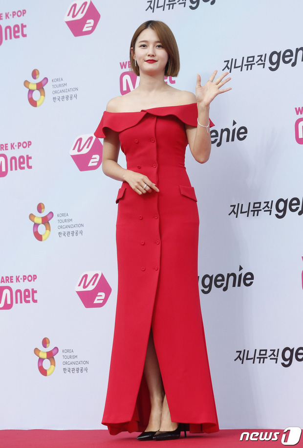 Siêu thảm đỏ hội tụ quân đoàn idol, diễn viên siêu khủng: Goo Hye Sun lạc quẻ, TWICE đọ tầm sexy chan chát với MAMAMOO - Ảnh 15.