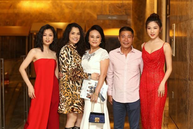 Tháng 8 sẽ rất nóng khi phim Hoa Hồng Trên Ngực Trái của Tuesday công khai Kiều Thanh chính thức công chiếu! - Ảnh 6.