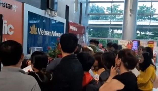 Hơn 100 hành khách vật vã chờ máy bay: Jetstar Pacific nói gì?