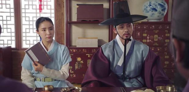 Tân Binh Học Sử Goo Hae Ryung: Quen nhau chưa lâu, Shin Se Kyung đã thiếu nghị lực ngủ chung trai đẹp thế này đây? - Ảnh 20.