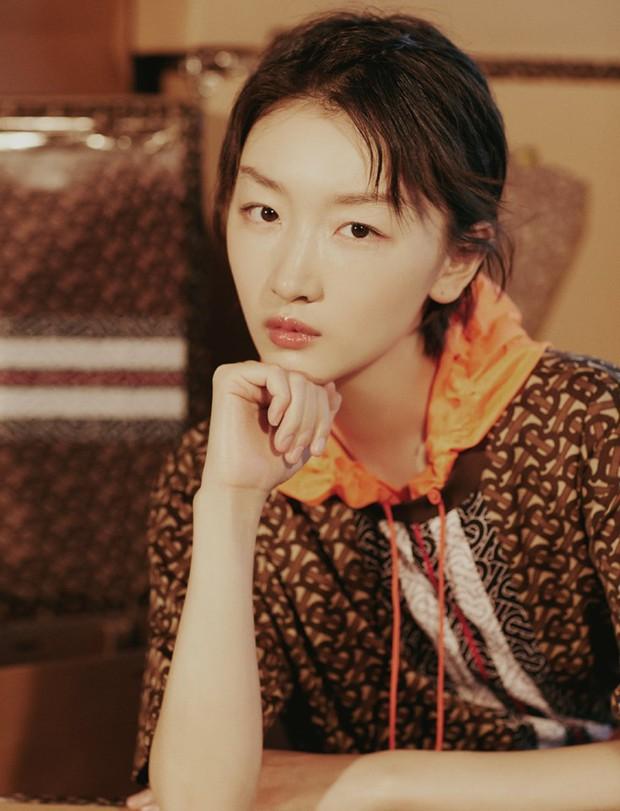 Forbes công bố 100 nghệ sĩ Cbiz nổi tiếng nhất: Dương Mịch - Angela Baby chịu thua Ảnh hậu 9X, sao nam áp đảo loạt nữ thần - Ảnh 7.