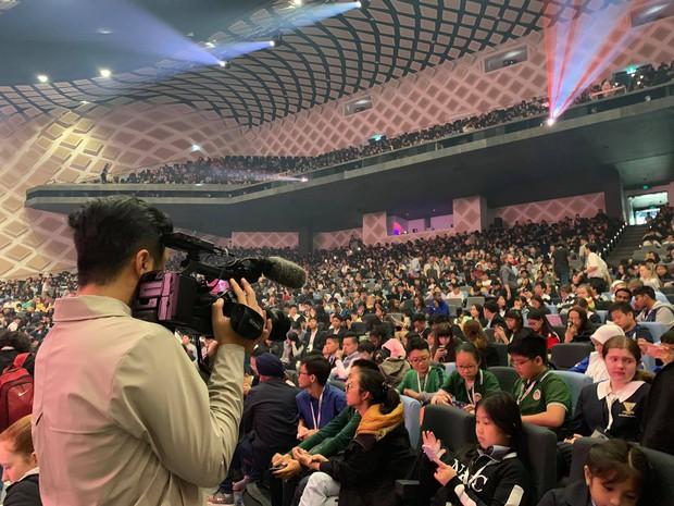 Đội tuyển Việt Nam tại Cúp Học thuật Thế giới 2019: Vượt qua 2000 thí sinh vào bán kết, tự tin trả lời phỏng vấn bằng tiếng Anh - Ảnh 4.