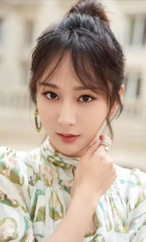 Forbes công bố 100 nghệ sĩ Cbiz nổi tiếng nhất: Dương Mịch - Angela Baby chịu thua Ảnh hậu 9X, sao nam áp đảo loạt nữ thần - Ảnh 17.