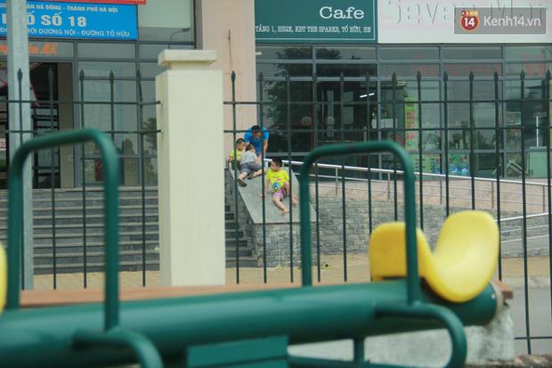 """Rắn bủa vây một chung cư ở Hà Nội, khu vui chơi bị """"bỏ hoang"""" vì người dân sợ rắn tấn công - Ảnh 8."""