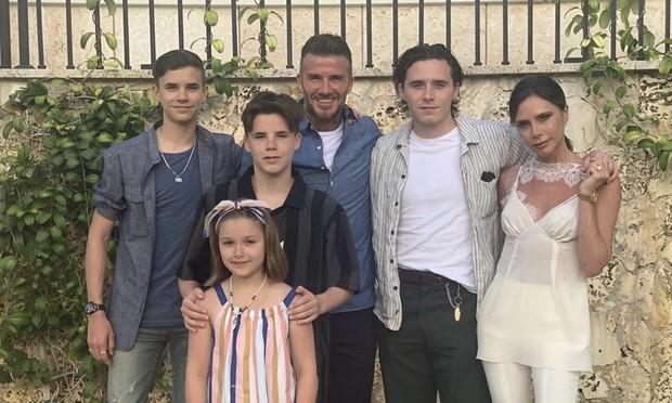 Sau 20 năm kết hôn, Victoria rục rịch đệ đơn ly hôn David Beckham, thậm chí đã sẵn sàng tranh quyền nuôi con? - Ảnh 2.