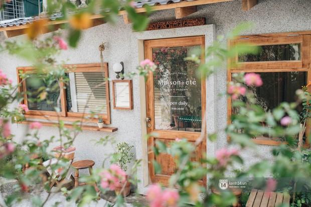 """Hai quán nước ép và tiệm bánh mới toanh ở Hà Nội, liền kề nhau tạo thành hẻm """"sống ảo"""" xinh xẻo như bên Hàn - Ảnh 2."""