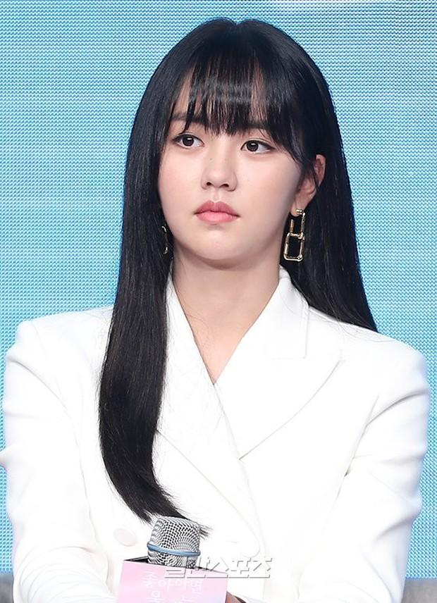 """""""Em gái mưa"""" Kim So Hyun trở lại sau thời gian vắng bóng, lột xác xinh đẹp trưởng thành nhưng lại lộ vẻ tăng cân khác lạ - Ảnh 4."""