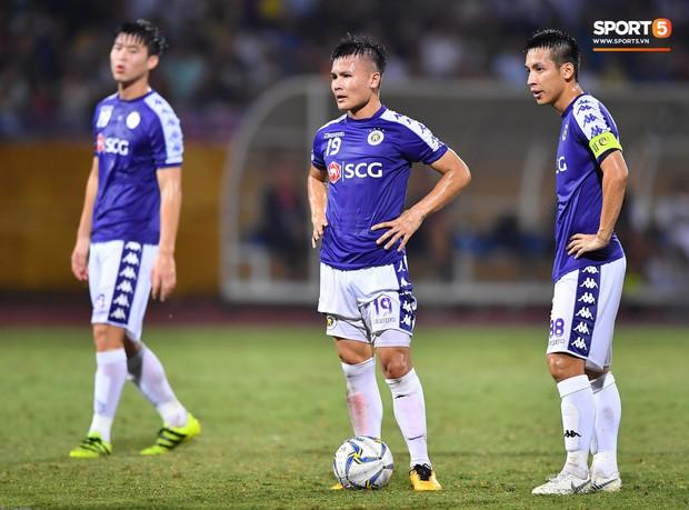 Quang Hải lên thần, ghi liên tiếp hai bàn đẹp mắt ở Cúp châu Á cho Hà Nội FC - Ảnh 2.