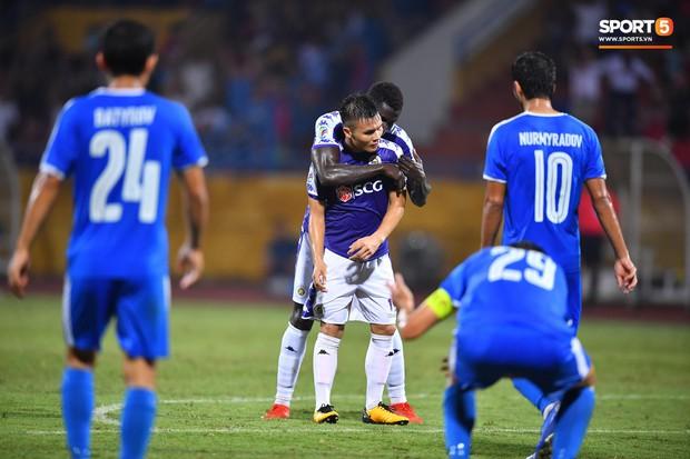 Hà Nội FC vi phạm quy định, Quang Hải và đồng đội nhận tin buồn khi mất suất dự Cúp châu Á 2020 - Ảnh 1.