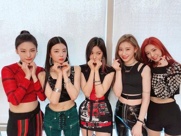 Bạn có biết: Có đến 27 girlgroup debut trong 9 tháng đầu năm 2019, Knet nhớ đúng 3 nhóm nhưng duy nhất ITZY thành sao top đầu - Ảnh 28.