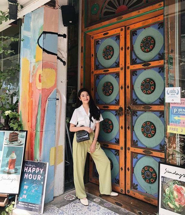 Street style châu Á: chẳng cầu kỳ, các cô nàng chỉ mix vài ba món đồ công sở đơn giản mà vẫn mãn nhãn người nhìn - Ảnh 1.