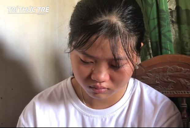 Nhận giấy báo nhập học, nữ sinh nghèo nghẹn ngào nhờ mẹ cất vào tủ vì không có tiền đi học - Ảnh 2.