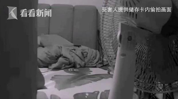 Vợ chồng son thuê nhà ở nửa năm mới biết bị quay lén ngay giữa phòng khách nhưng câu chuyện đằng sau chiếc máy quay không như mọi người nghĩ - Ảnh 4.