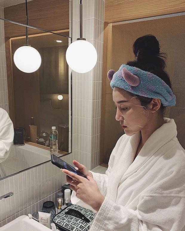 Hoa hậu Đỗ Mỹ Linh đắp mặt nạ giấy mỗi ngày, giúp cấp ẩm tốt hay chỉ khiến da quá tải? - Ảnh 5.