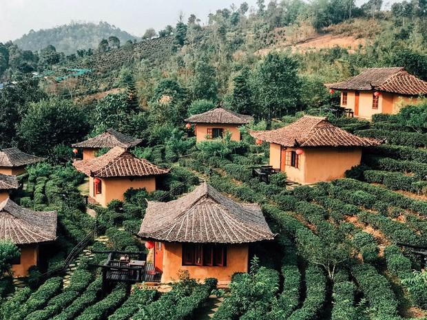 Đi 1 được 3: Ngôi làng nhỏ vừa thơ mộng như đồi chè Mộc Châu, vừa cổ kính như Phượng Hoàng Cổ Trấn mà lại ngay gần Việt Nam nè! - Ảnh 21.