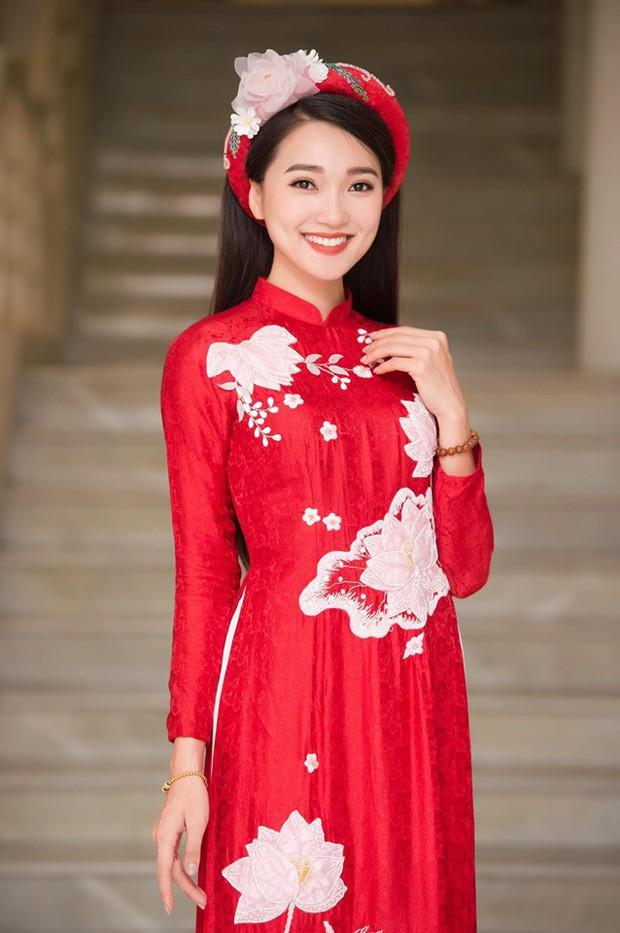 Loạt hot girl xứ Nghệ yêu cầu thủ: Người vẫn mặn nồng, kẻ chia tay từ 8 đời - Ảnh 9.