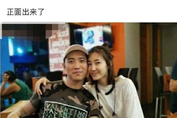 Mối tình dài nhất của Lâm Canh Tân đi tới hồi kết, Vương Lệ Khôn đăng loạt ảnh động chạm tình tứ với trai mới? - Ảnh 2.