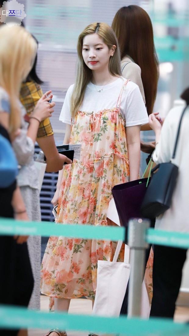 Nhìn loạt idol Hàn có ngay 12 công thức diện áo phông đi học xinh lung linh mà bạn nên bỏ túi để xài dần - Ảnh 3.