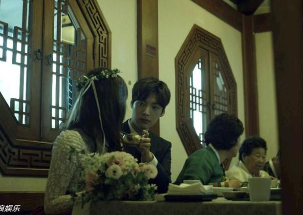 Hành trình từ gã si tình đến thánh cosplay cuồng vợ Ahn Jae Hyun: Ánh mắt mật ngọt hóa chê bai thô tục tựa khi nào! - Ảnh 11.