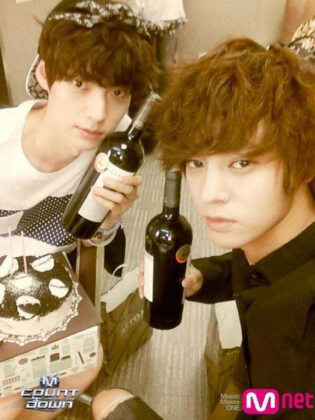Phản ứng của Knet trước tin Ahn Jae Hyun say xỉn tòm tèm với gái lạ: Quả là bạn thân của nghi phạm hiếp dâm Jung Joon Young! - Ảnh 1.