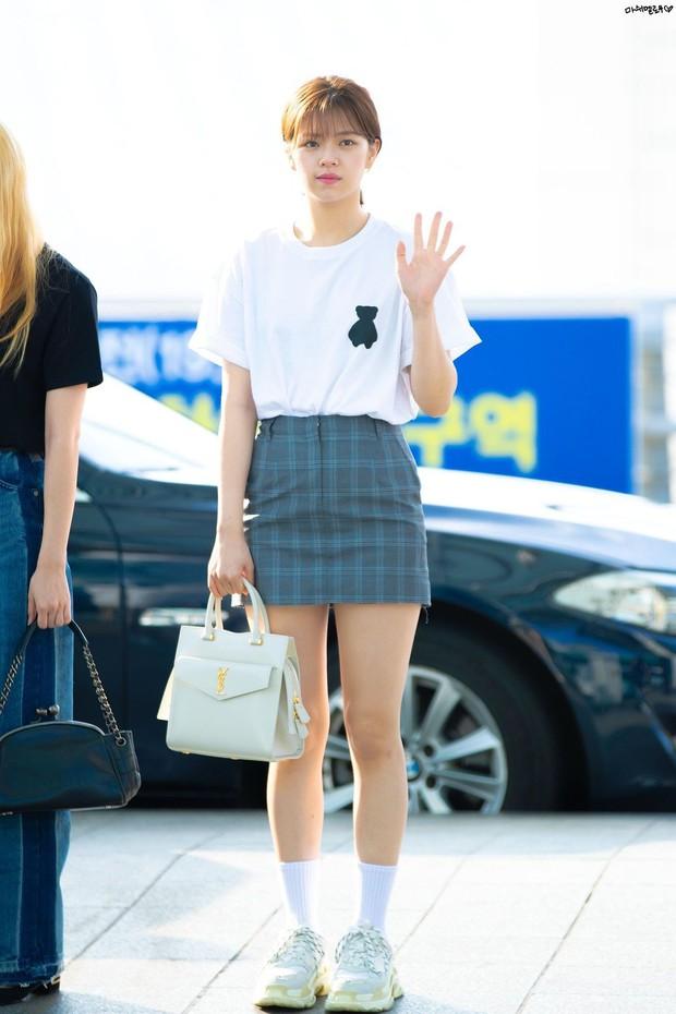 Nhìn loạt idol Hàn có ngay 12 công thức diện áo phông đi học xinh lung linh mà bạn nên bỏ túi để xài dần - Ảnh 5.