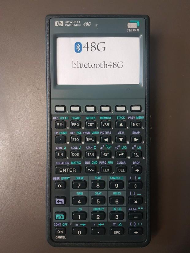 Đỉnh cao của độ rảnh: Biến máy tính bỏ túi đã hỏng thành bàn phím Bluetooth, kết nối nuột như hàng xịn - Ảnh 2.