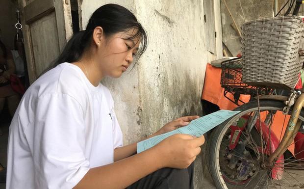 """Trường ĐH miễn học phí 4 năm cho nữ sinh nghèo Nghệ An """"phải cất giấy báo nhập học trong tủ"""" - Ảnh 1."""
