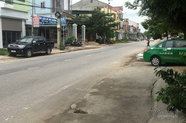 Tài xế taxi Mai Linh gây tai nạn, chở bé gái 11 tuổi xuống biển lúc tối muộn - Ảnh 1.