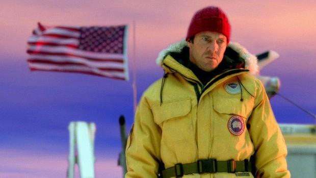 Bỏ giấc mơ viết lách vì thiếu tiền, anh chàng này đưa thương hiệu áo khoác con ghẻ quốc dân thành ngỗng đẻ trứng vàng, được giới Hollywood tin dùng - Ảnh 5.