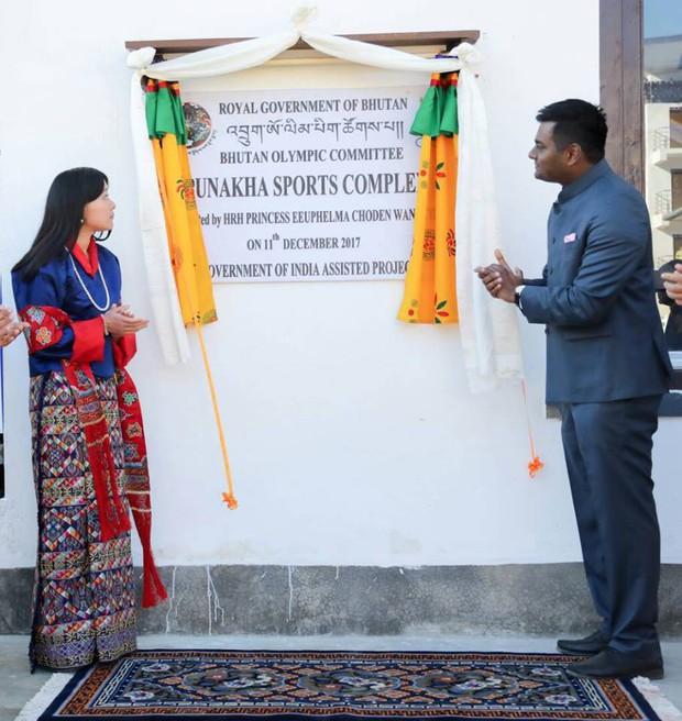 Chân dung thần tiên tỷ tỷ của Hoàng gia Bhutan, nàng công chúa tài sắc vẹn toàn, làm điên đảo cộng đồng mạng trong suốt thời gian qua - Ảnh 6.