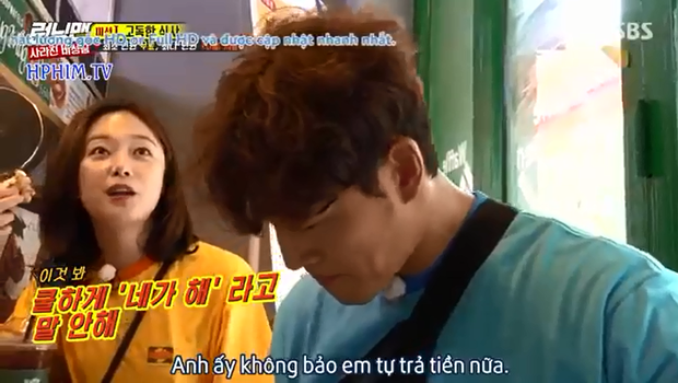 Running Man: Hóa ra cách tiết kiệm của Jeon So Min là... đu bám để Kim Jong Kook trả tiền mọi thứ! - Ảnh 3.