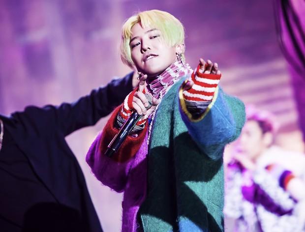 Là ông hoàng của những con số nhưng 3 thành viên BTS hợp sức lại mới sánh ngang kỉ lục mới toanh của G-Dragon - Ảnh 2.