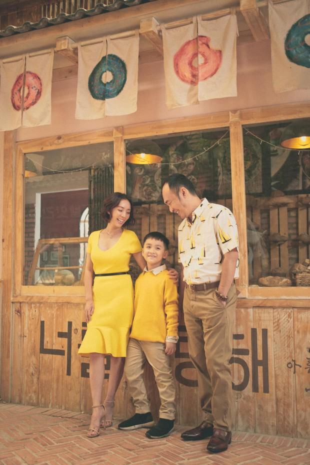 Hé lộ ảnh hiếm và những điều chưa từng kể trong đám cưới Thu Trang - Tiến Luật 8 năm trước  - Ảnh 4.