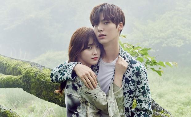 Giữa scandal ly hôn với Goo Hye Sun, Ahn Jae Hyun bị hãng mỹ phẩm hủy hợp đồng và xóa toàn bộ hình ảnh - Ảnh 1.