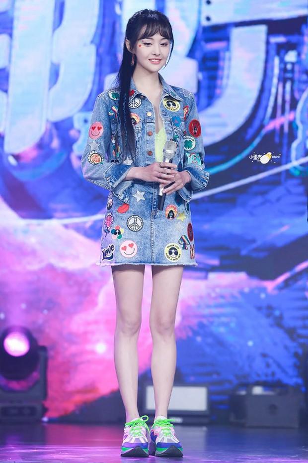 Chưa bao giờ thấy Trịnh Sảng lột xác đến nhường này: Xinh ngút ngàn, bị stylist dìm tơi tả vẫn đẹp xuất sắc - Ảnh 13.