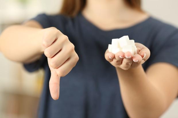 Làn da khỏe và sạch mụn dễ như ăn kẹo nhờ 5 tips cơ bản mà ai cũng có thể làm theo - Ảnh 4.