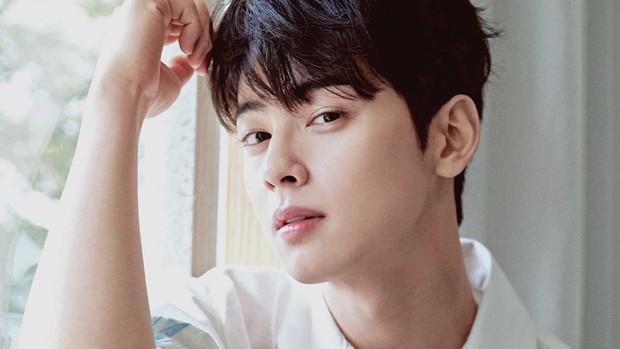 50 idol nam Kpop được tìm nhiều nhất trên Google nửa đầu 2019: Em út BTS chễm chệ ngôi vua, bất ngờ vị trí của Seungri - Ảnh 9.