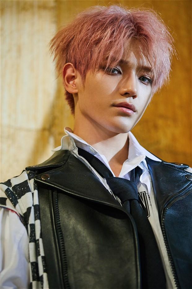 """Nhóm nhạc siêu khủng được coi là biệt đội Avenger của """"ông trùm"""" Lee Soo Man: 7 nam thần xuất chúng nhất SM góp mặt là ai? - Ảnh 16."""