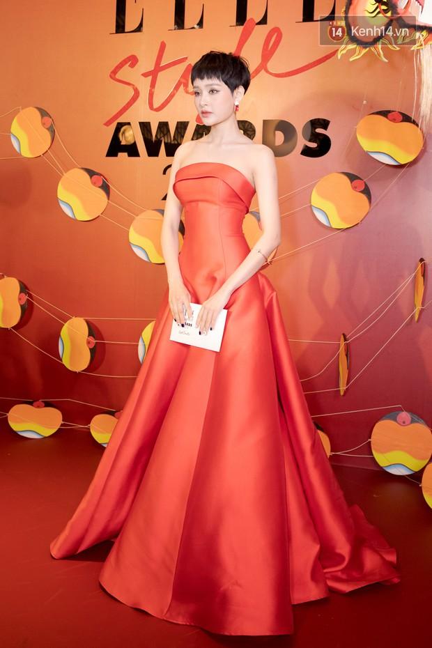 Thảm đỏ Elle Style Awards: chị đại Mỹ Tâm giản đơn giữa những đàn em chặt chém như Tiểu Vy, Jolie Nguyễn, Châu Bùi - Ảnh 24.