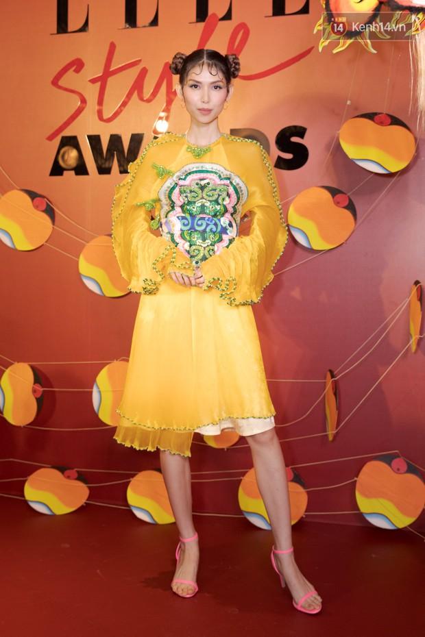 Thảm đỏ Elle Style Awards: chị đại Mỹ Tâm giản đơn giữa những đàn em chặt chém như Tiểu Vy, Jolie Nguyễn, Châu Bùi - Ảnh 22.