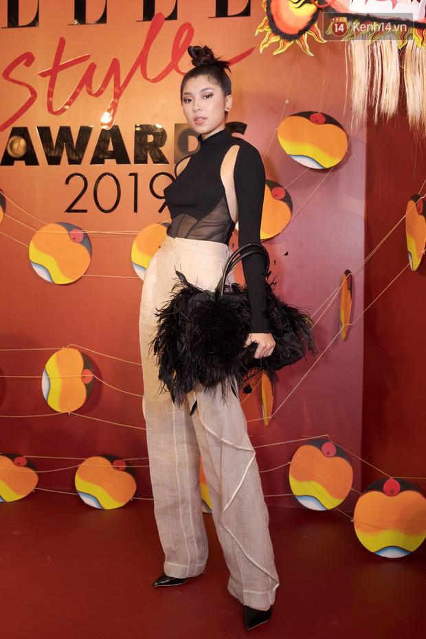 Thảm đỏ Elle Style Awards: chị đại Mỹ Tâm giản đơn giữa những đàn em chặt chém như Tiểu Vy, Jolie Nguyễn, Châu Bùi - Ảnh 13.