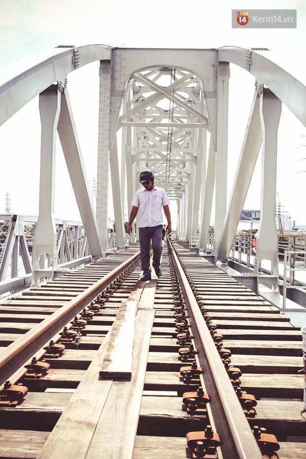 Cận cảnh cầu sắt Bình Lợi mới gần 500 tỉ đồng, sẵn sàng cho tàu hỏa Bắc - Nam chạy thử vào đầu tháng 9/2019 - Ảnh 5.