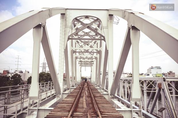 Cận cảnh cầu sắt Bình Lợi mới gần 500 tỉ đồng, sẵn sàng cho tàu hỏa Bắc - Nam chạy thử vào đầu tháng 9/2019 - Ảnh 4.