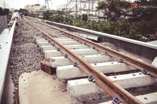 Cận cảnh cầu sắt Bình Lợi mới gần 500 tỉ đồng, sẵn sàng cho tàu hỏa Bắc - Nam chạy thử vào đầu tháng 9/2019 - Ảnh 12.