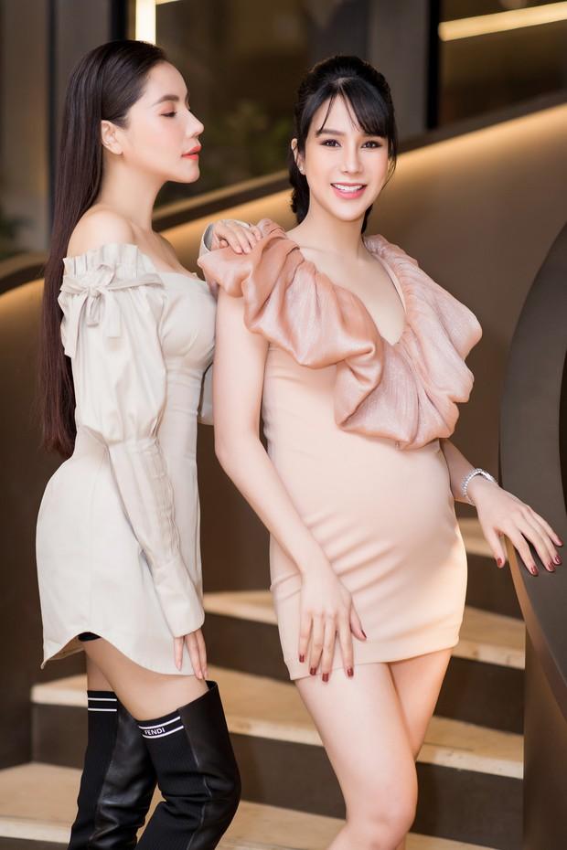 Diệp Lâm Anh khệ nệ bụng bầu ở tháng thứ 6 thai kỳ trong tiệc sinh nhật, Kỳ Duyên trễ nải cùng Minh Triệu đến chung vui - Ảnh 9.