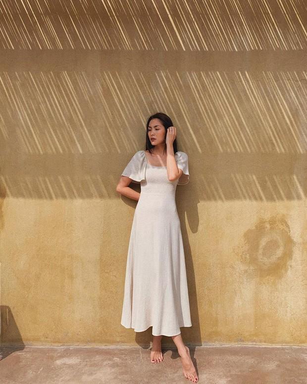 Ngắm Hà Tăng và Miranda Kerr xinh lịm tim trong mẫu váy này, bạn sẽ muốn bổ sung thêm vài chiếc cho tủ đồ thu - Ảnh 1.