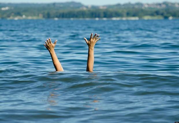Người phụ nữ cứu cậu bé 4 tuổi thoát chết đuối, 9 năm sau một sự việc trùng hợp xảy ra khiến nhiều người tin vào luật nhân quả - Ảnh 1.
