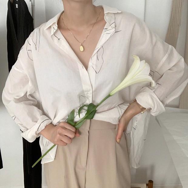 Mặc đẹp và sang không khó nếu bạn cứ diện 1 trong 4 mẫu áo sau với quần ống rộng - Ảnh 5.