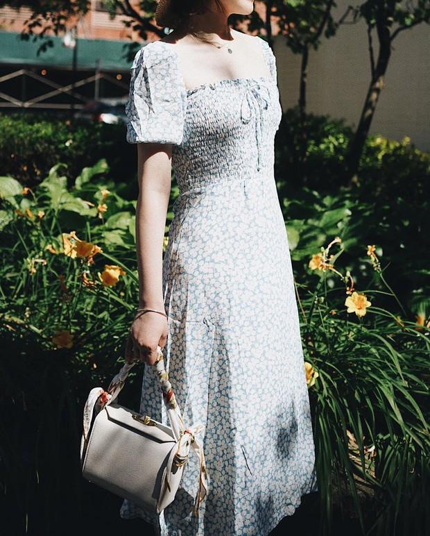 Ngắm Hà Tăng và Miranda Kerr xinh lịm tim trong mẫu váy này, bạn sẽ muốn bổ sung thêm vài chiếc cho tủ đồ thu - Ảnh 3.